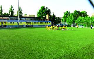 Ustúpi futbalový štadión na Sklenárovej výstavbe?