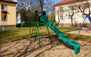 Detské ihriská: Darček pre deti z Vlčieho Hrdla