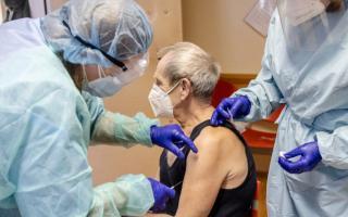 Vakcína proti Covid 19: Očkovanie seniorov začalo v Ružinove