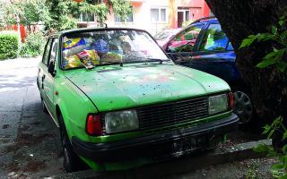 Takmer 50 opustených áut uvoľnilo parkovacie miesta